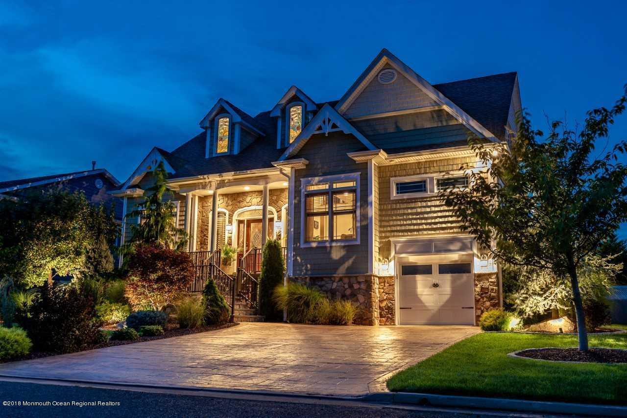 second nighttimehouse driveway