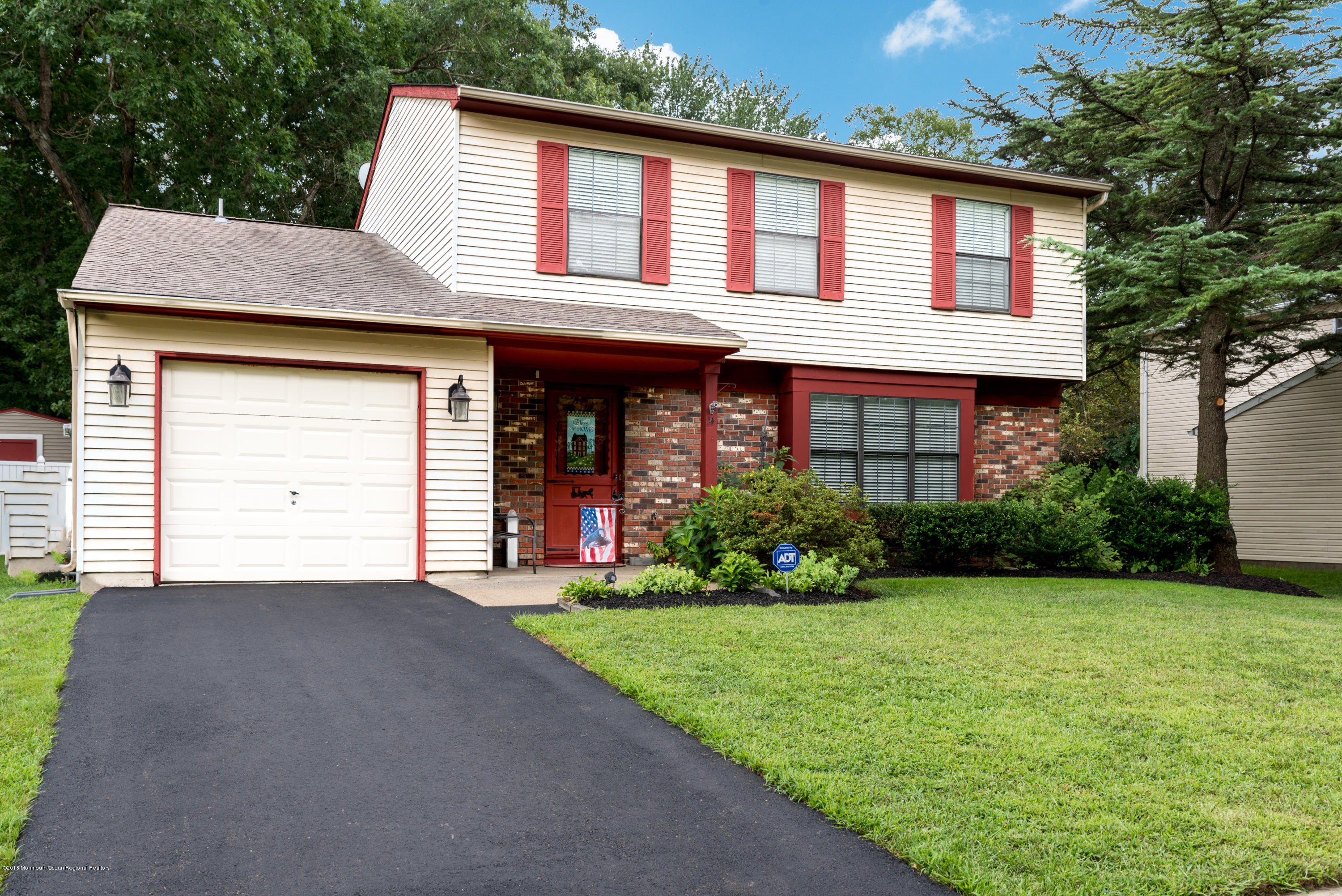 14 Colonial Ct (1 of 31)
