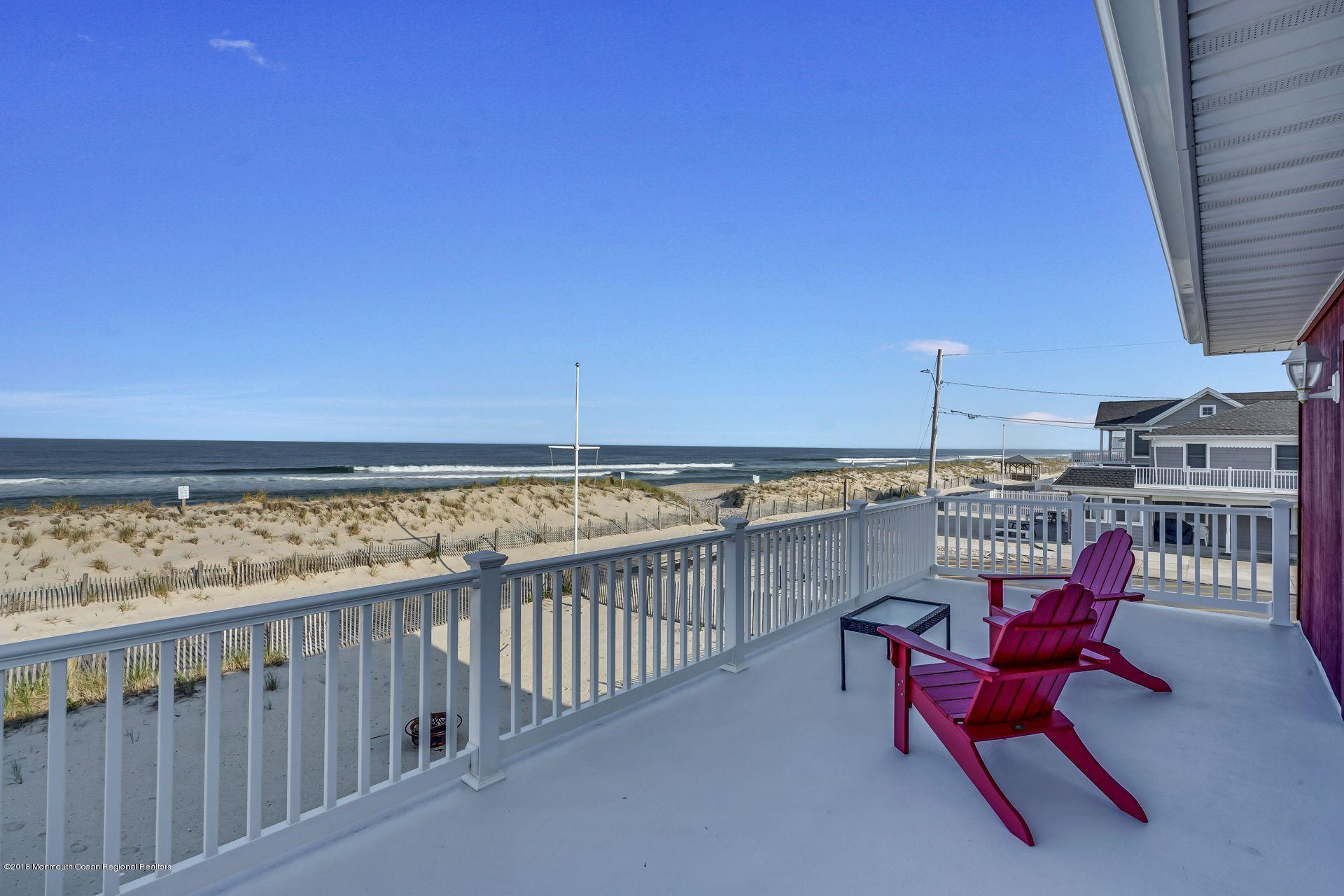1306  Oceanfront  - Picture 14