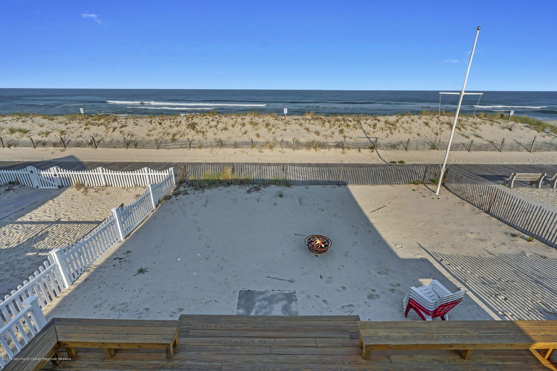 1306  Oceanfront  - Picture 20