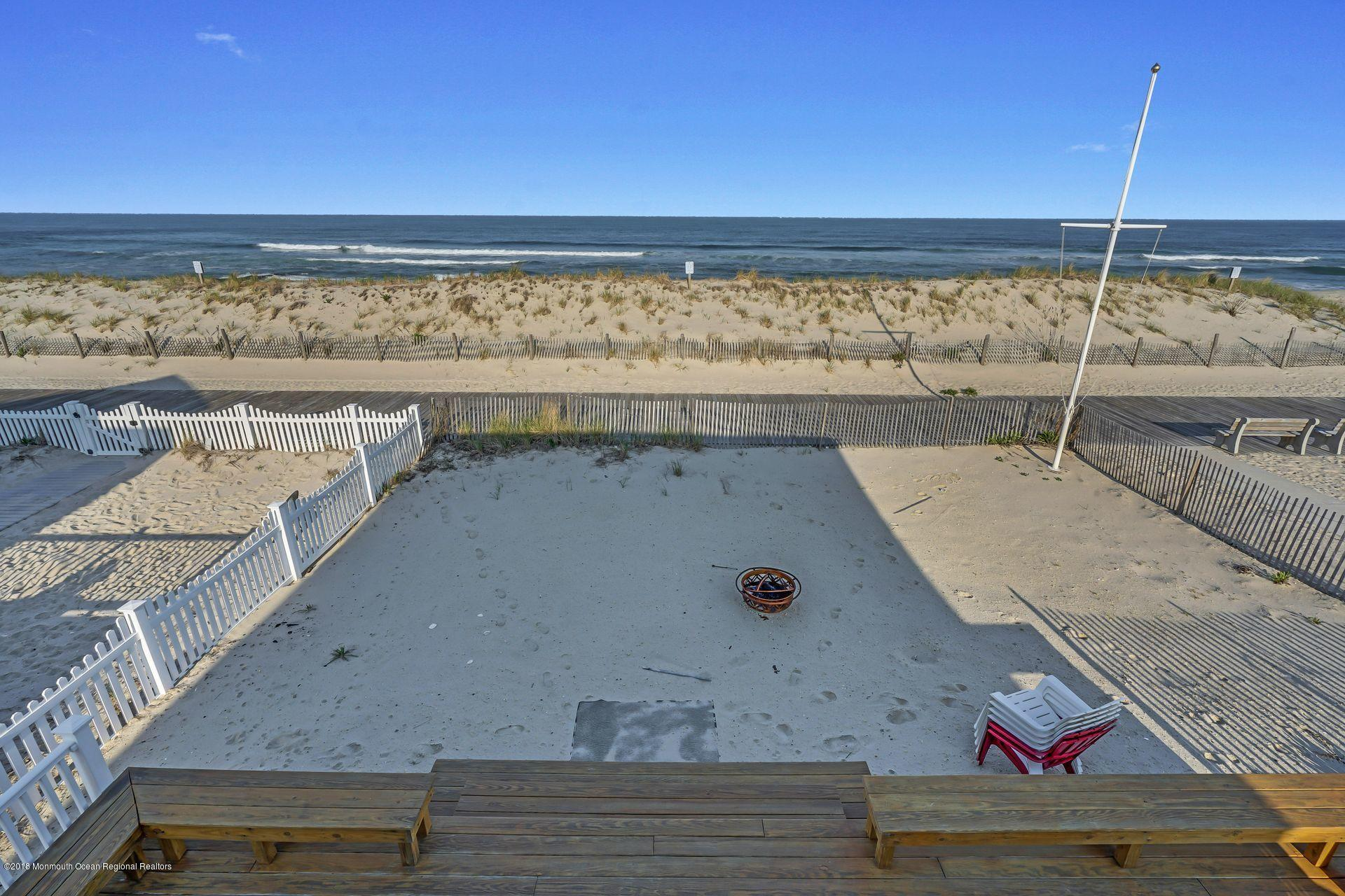 1306  Oceanfront  - Picture 21