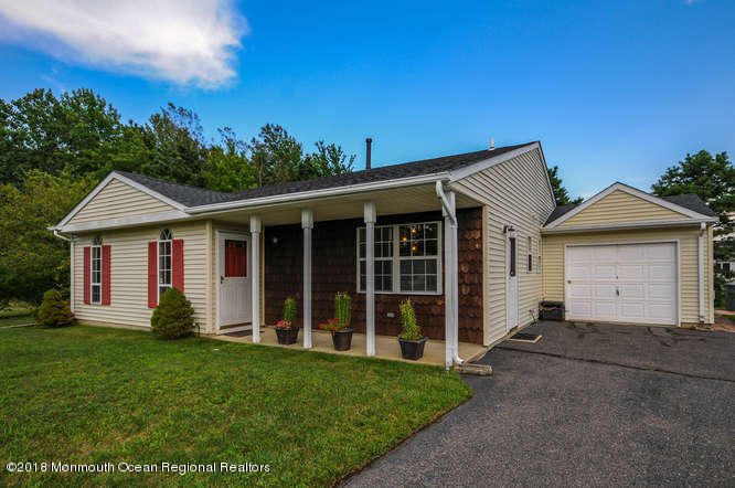 25 Colonial Dr Tinton Falls NJ-small-007