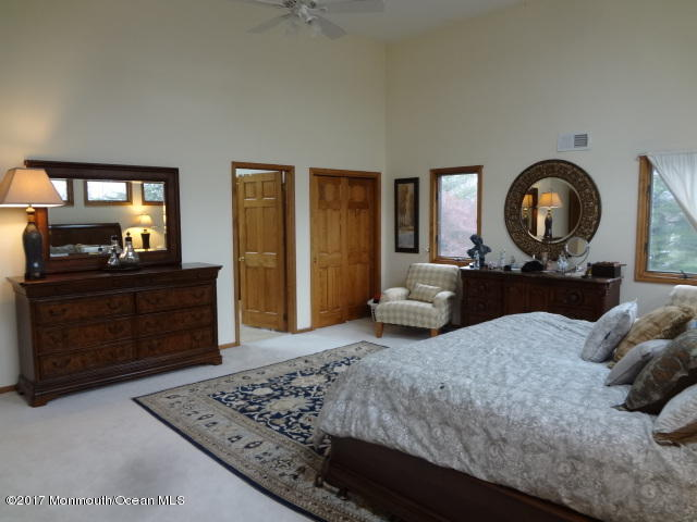 Master Bedroom (a different layout)