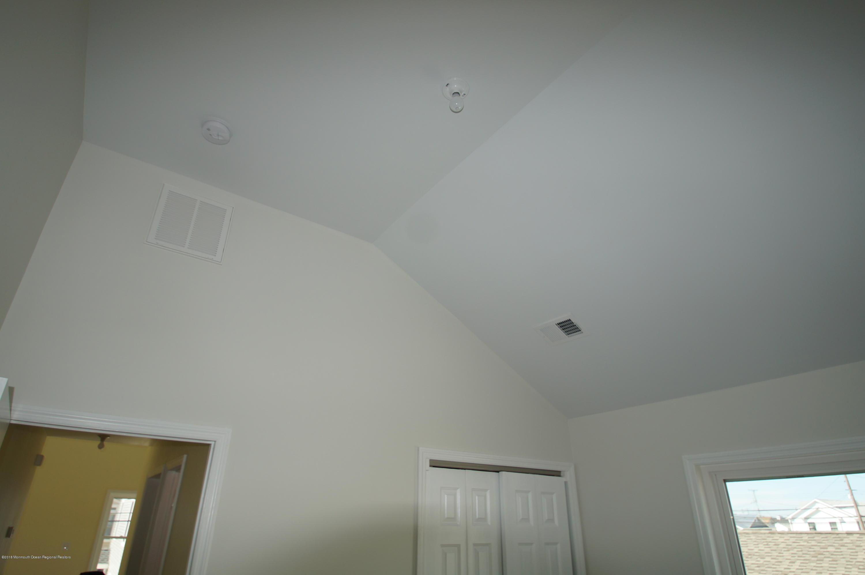 121 W Bay View Drive - Picture 18