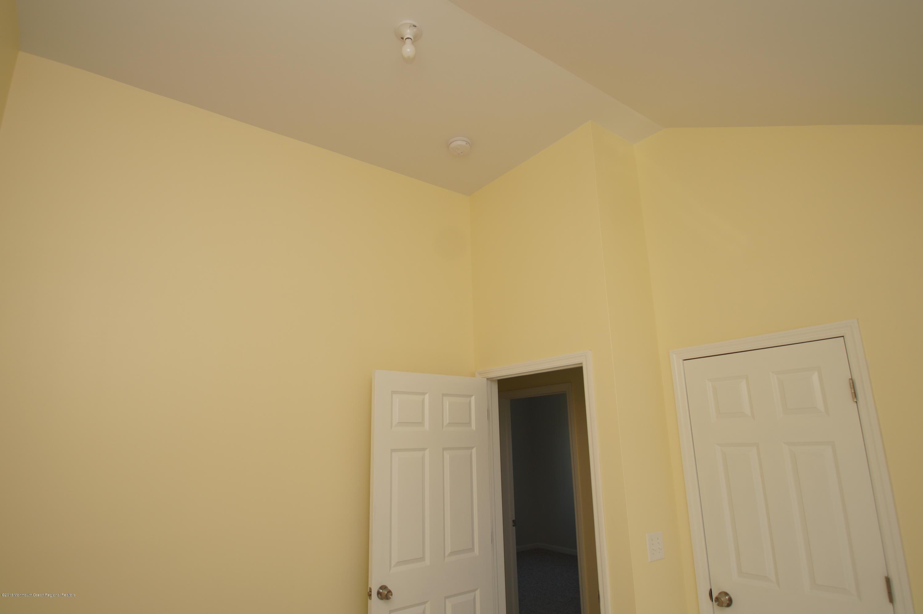 121 W Bay View Drive - Picture 14