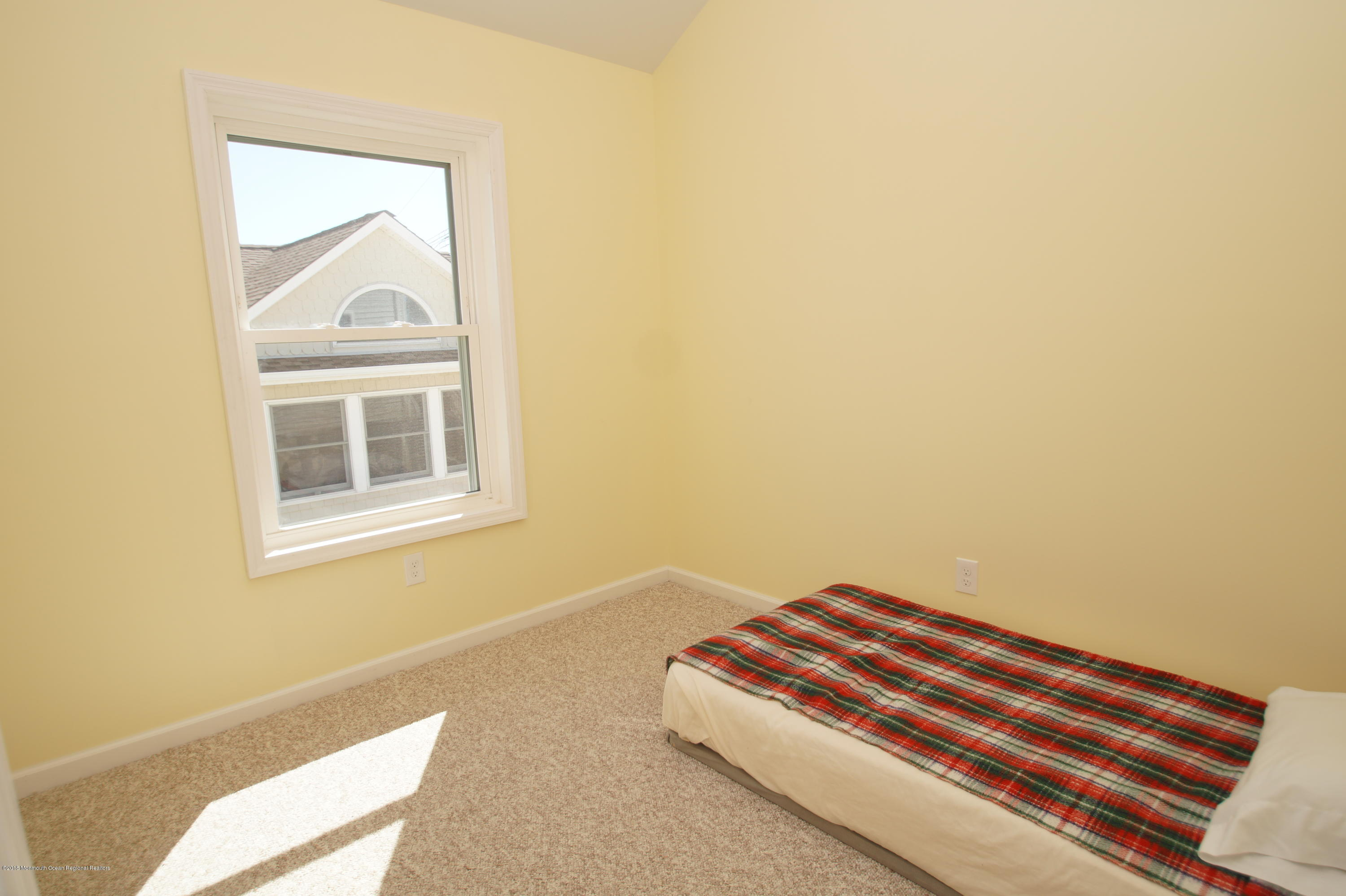 121 W Bay View Drive - Picture 13