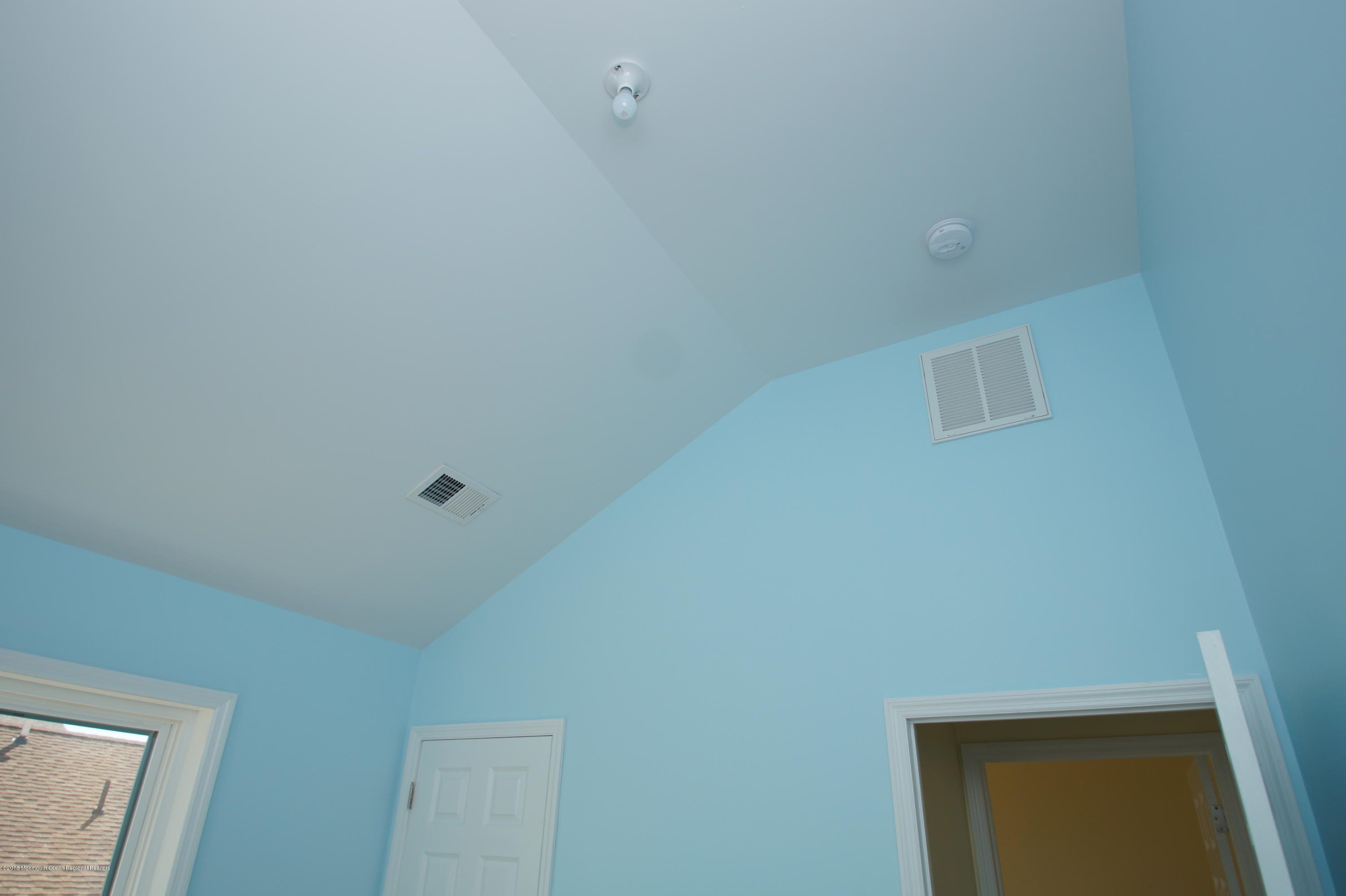 121 W Bay View Drive - Picture 12