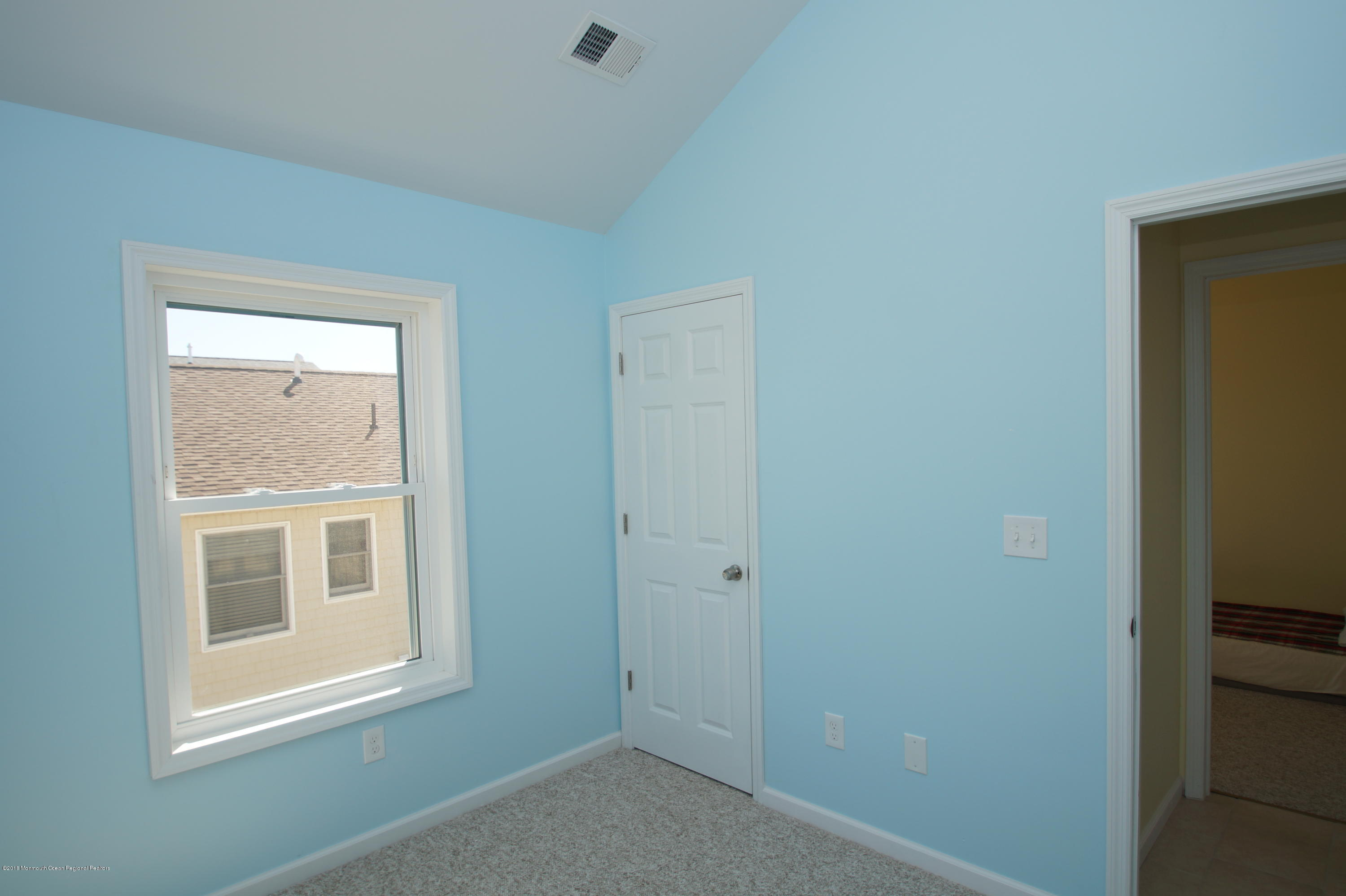 121 W Bay View Drive - Picture 11