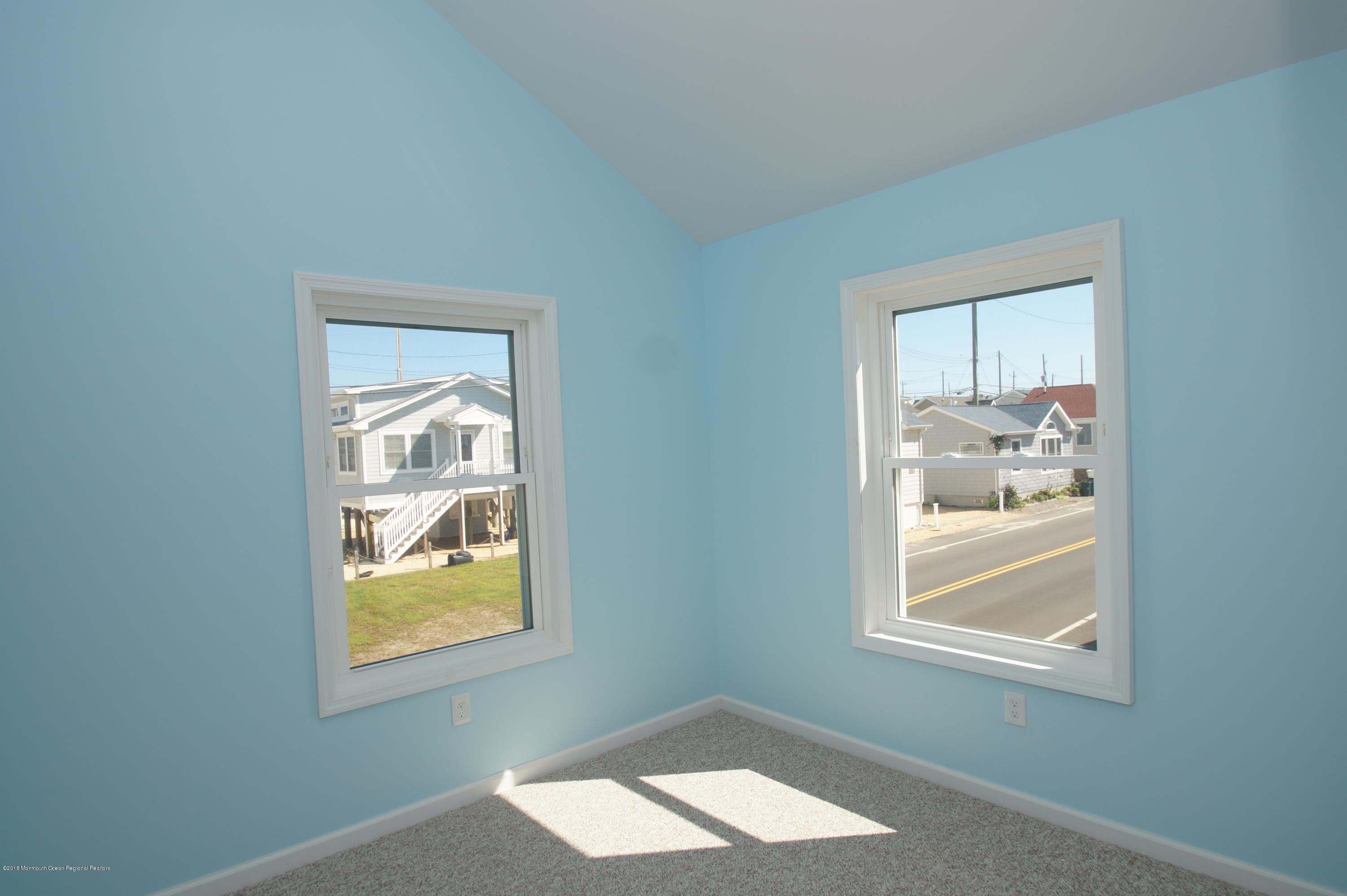 121 W Bay View Drive - Picture 10