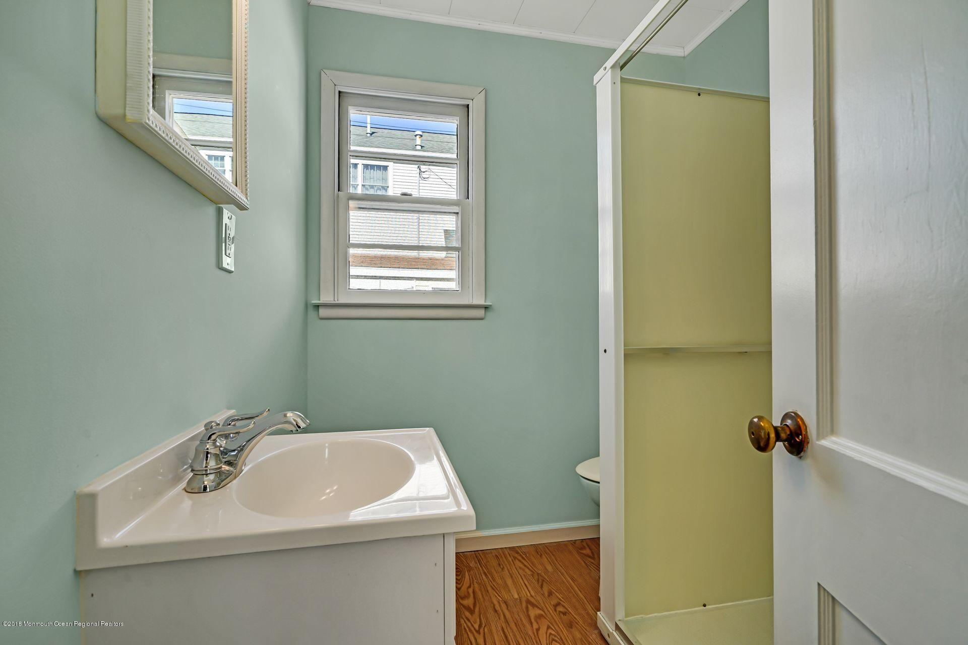 124 S Bayside Road - Picture 10