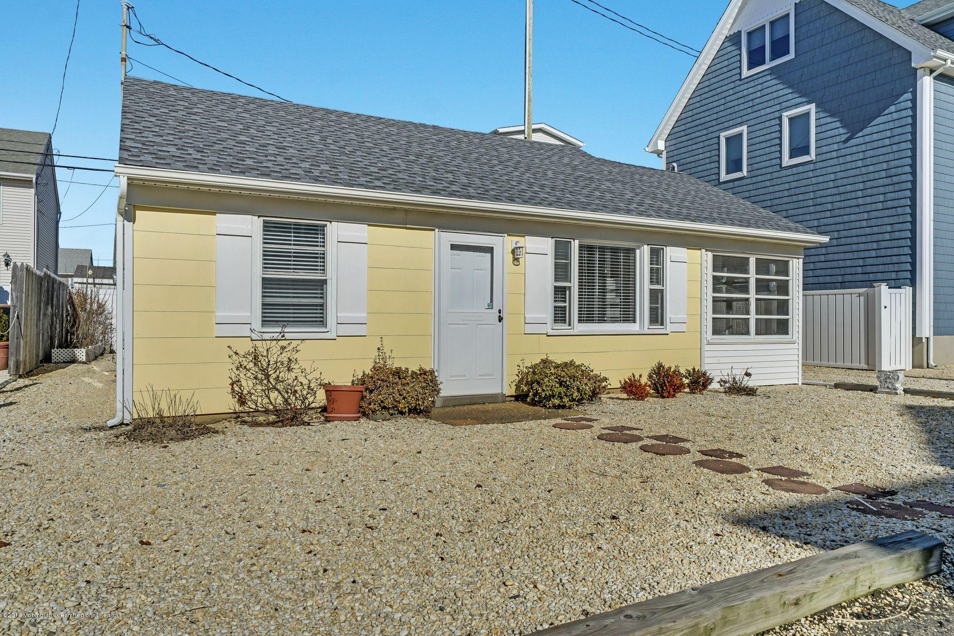 124 S Bayside Road - Picture 16