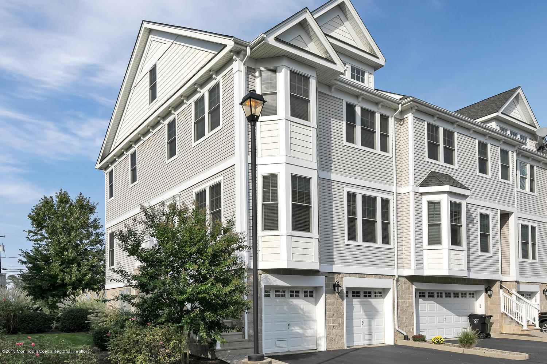 613 Park Ave Port Monmouth NJ-large-001-