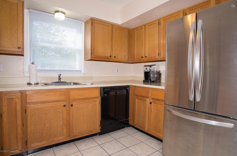 _RMJ7361.jpg kitchen