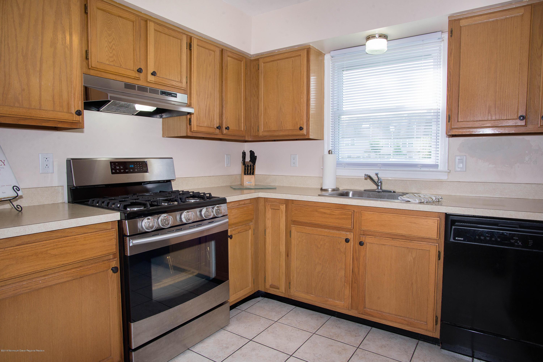 _RMJ7363.jpg kitchen