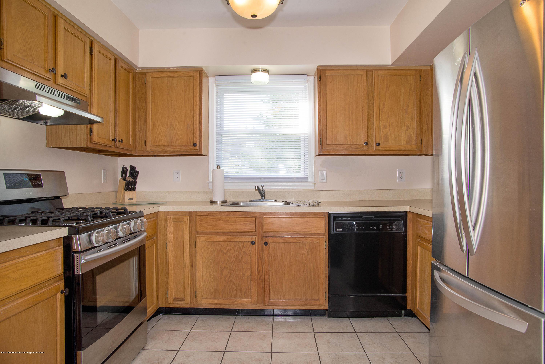 _RMJ7365.jpg kitchen