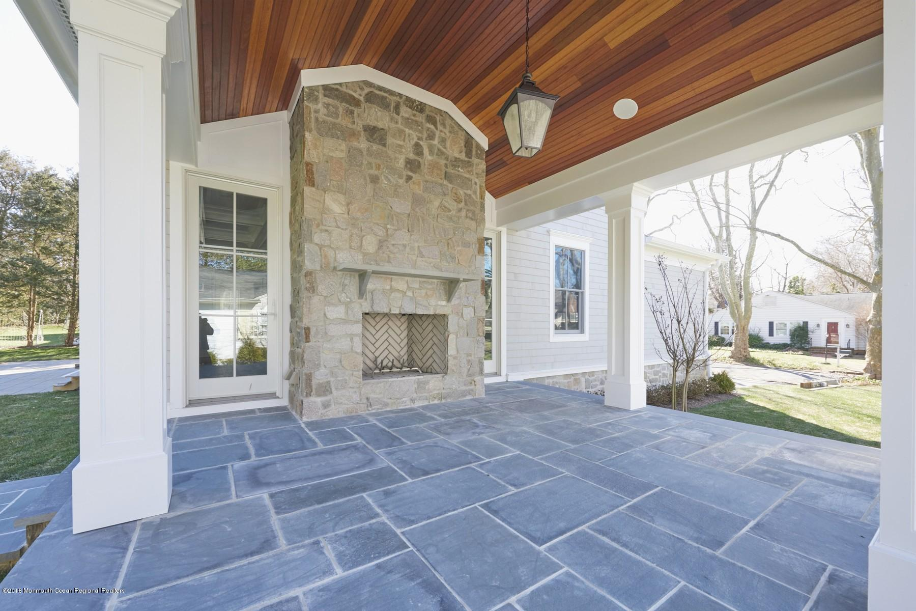 Sample Outdoor Living Space