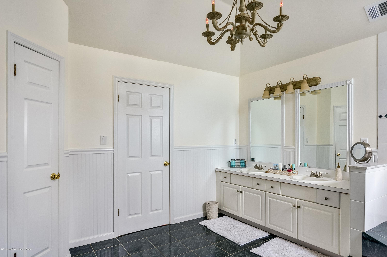 019_Master Bathroom