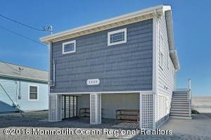 3380 Seaview Road