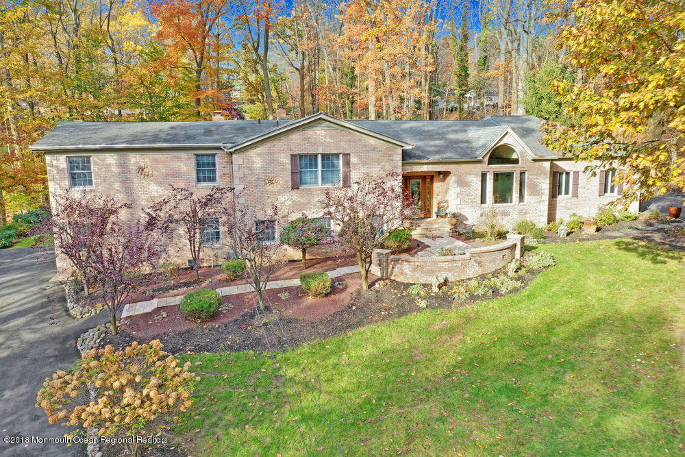 15  Mount Drive, Holmdel, New Jersey