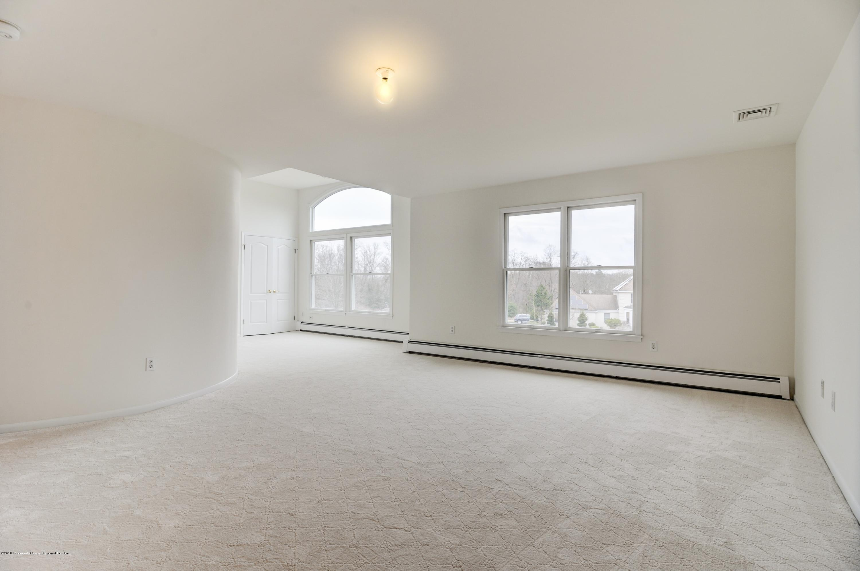 Master Bedroom w/siting area