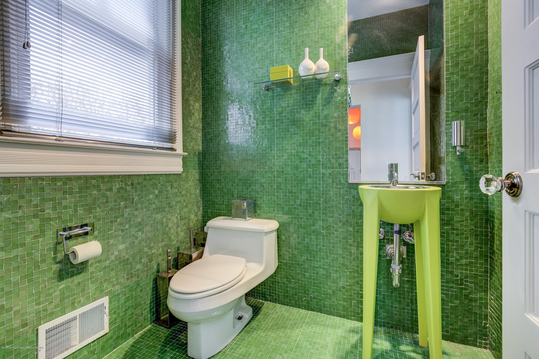 018_Bathroom