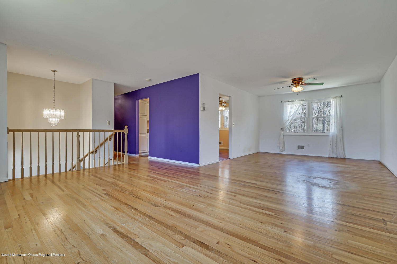 939 Woodlane Rd Jackson NJ-large-004-7-L