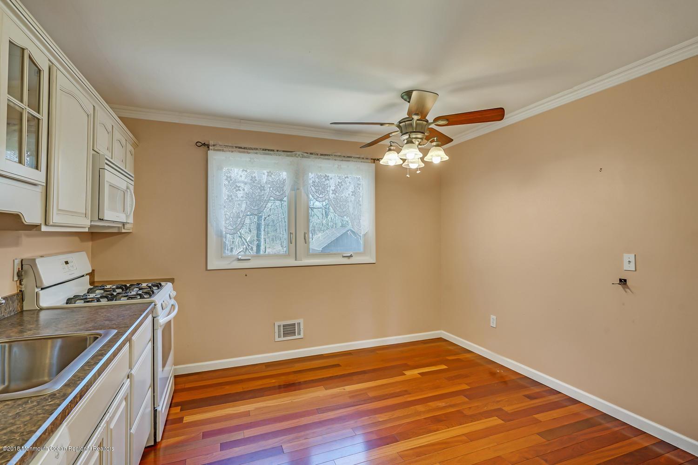 939 Woodlane Rd Jackson NJ-large-012-19-