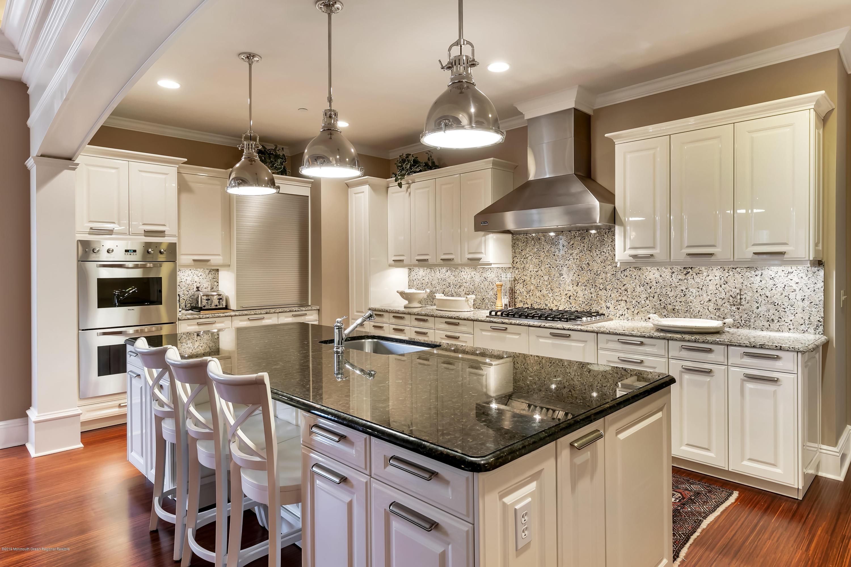 Kitchen w Poggen-pohl Cabinets