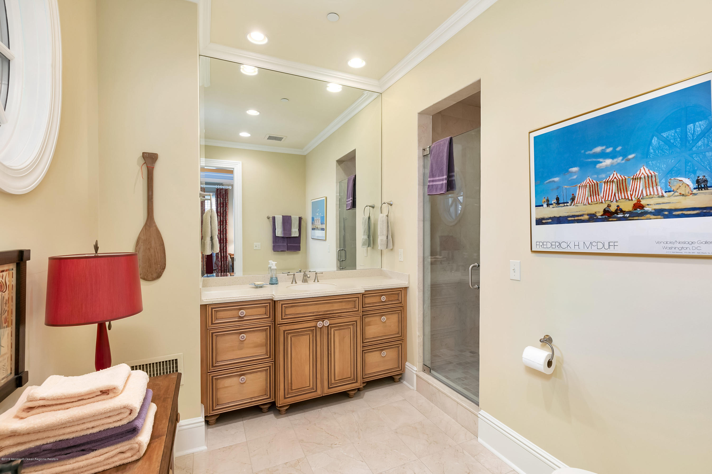Bedroom 3 w En Suite Full Bath