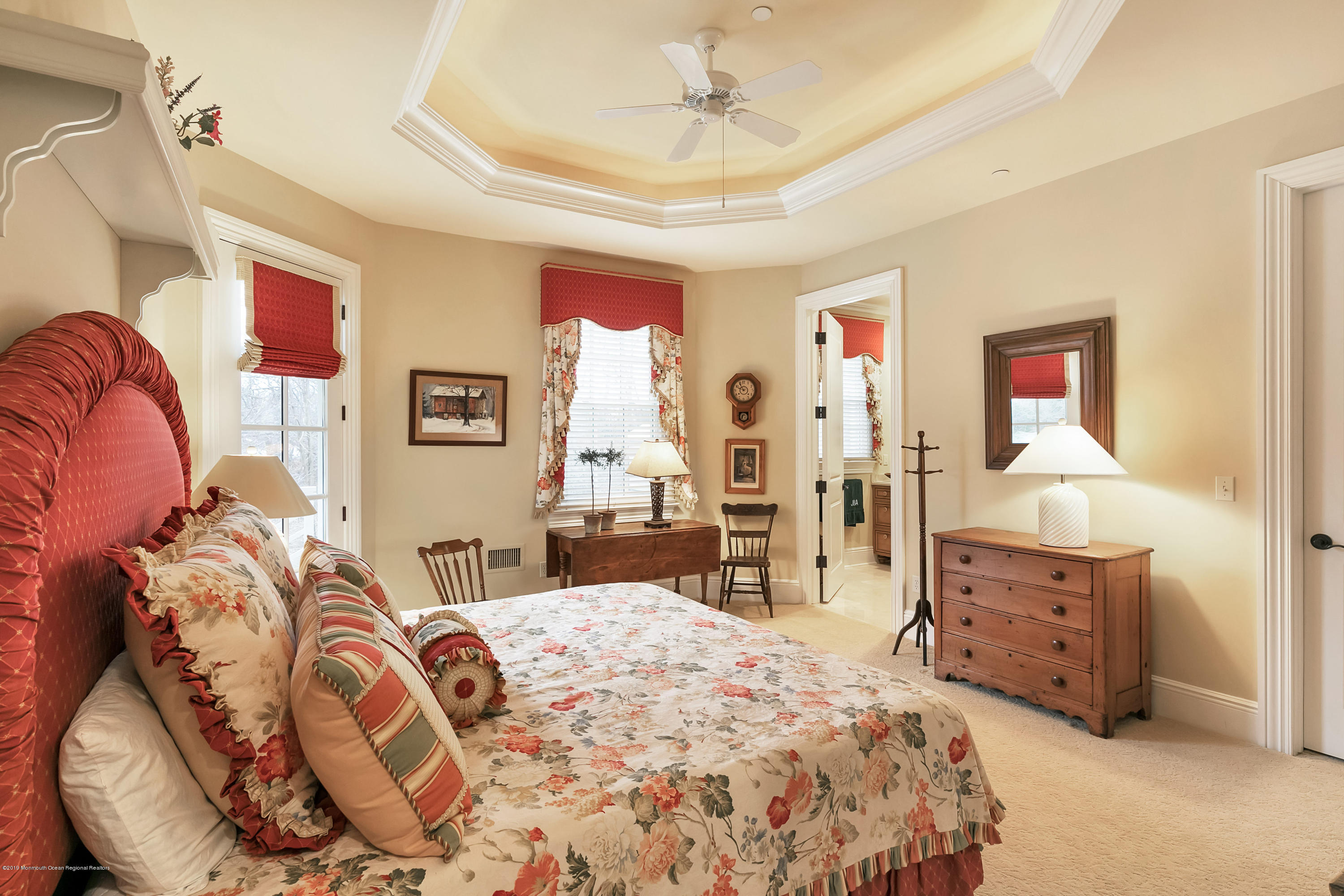 Bedroom 3 w Tray Ceiling