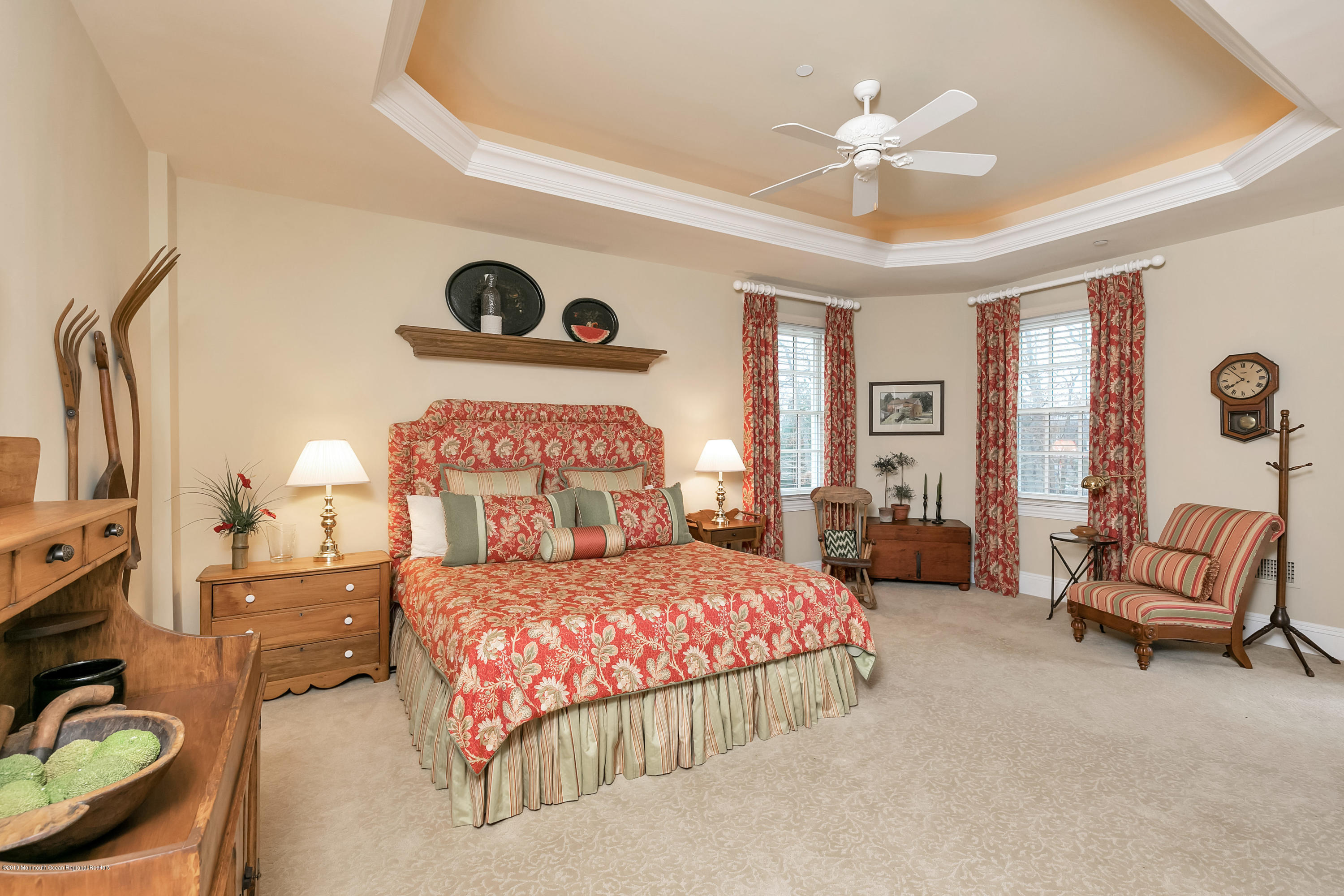 Bedroom 2 w Tray Ceiling