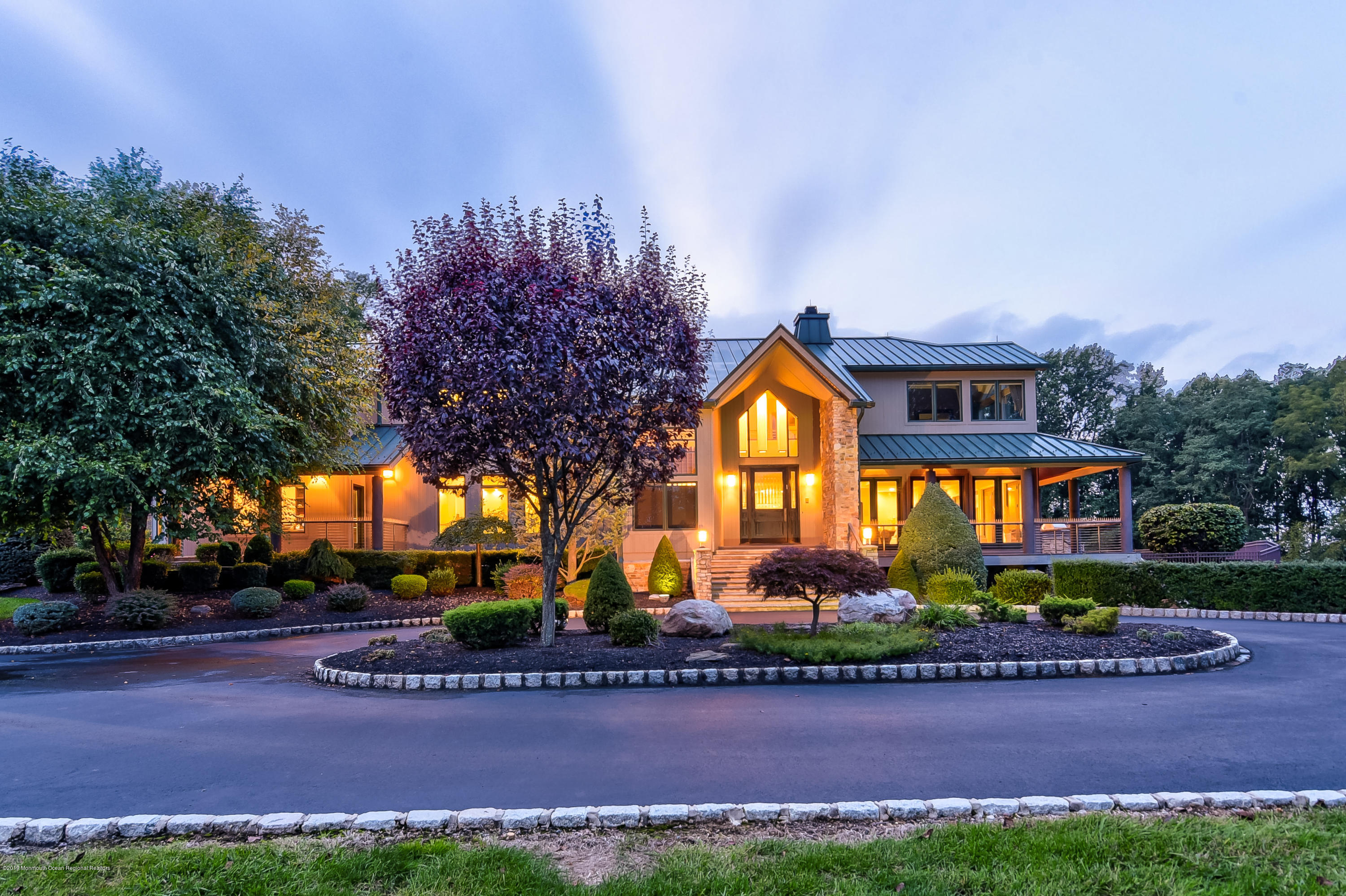 Photo of 17 Summer House Hill Road, Holmdel, NJ 07733