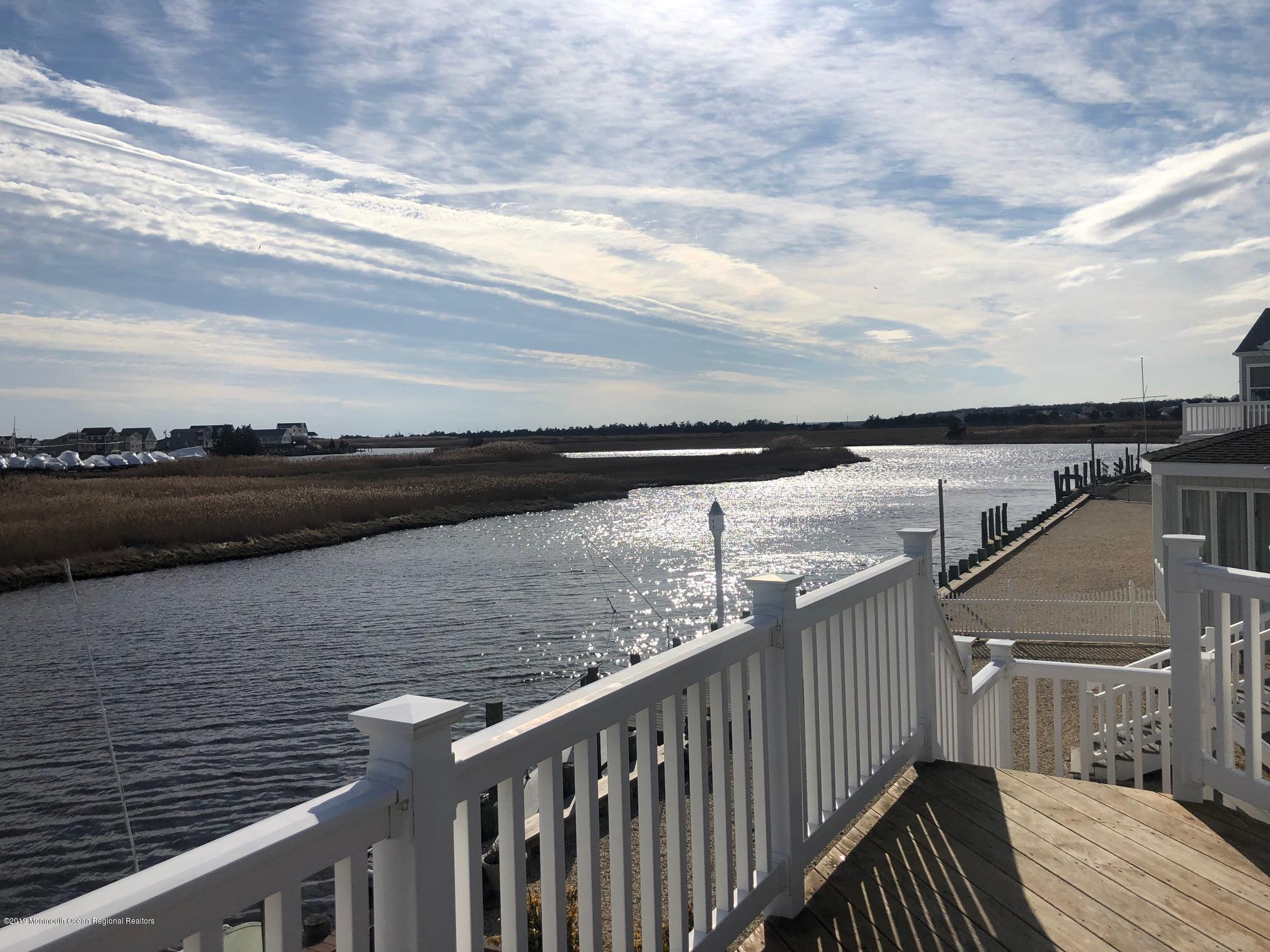 12 Anglers Road, Little Egg Harbor, New Jersey