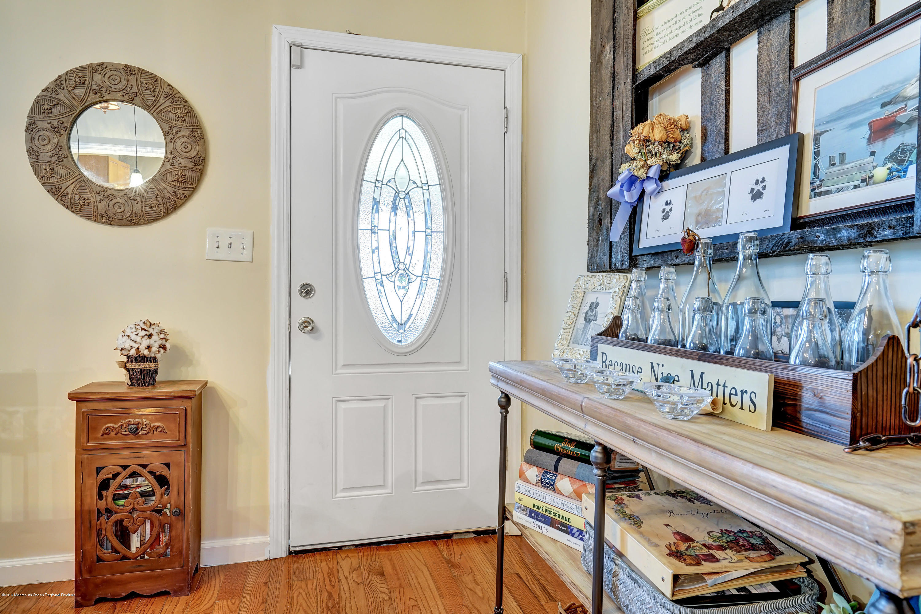 dining room to foyer entrance