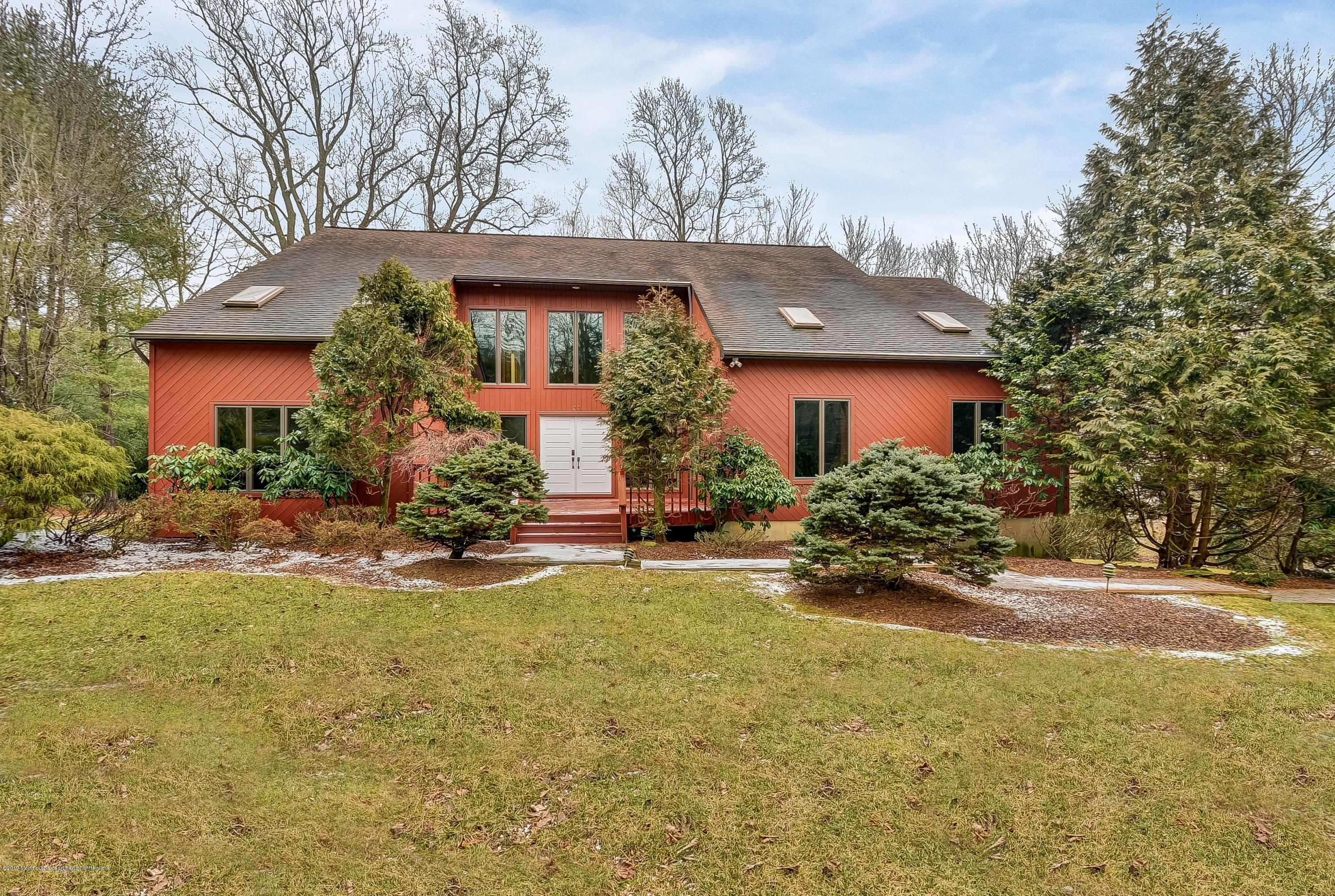 23  Sherwood Court, Holmdel, New Jersey