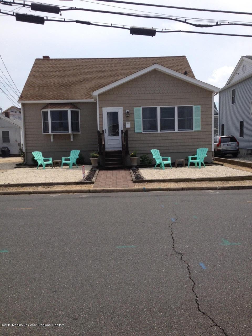 Photo of 114 New Brunswick Avenue, Lavallette, NJ 08735