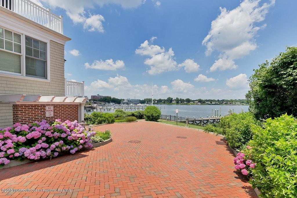 Waterfront Living Along the Navesink