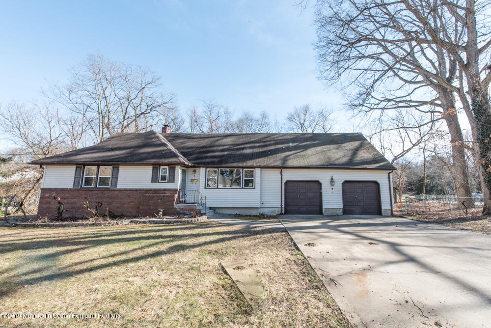 Home For Sale At 2 Timber Road In East Brunswick Nj For 449000