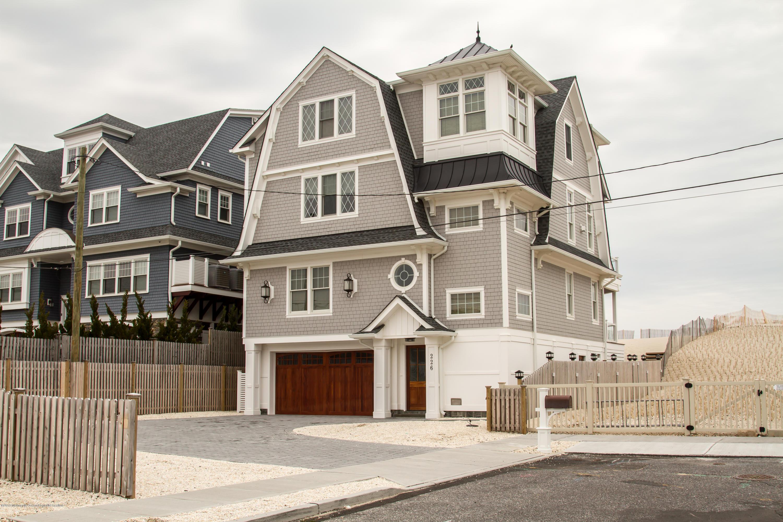 Photo of 226 Dune Avenue, Mantoloking, NJ 08738