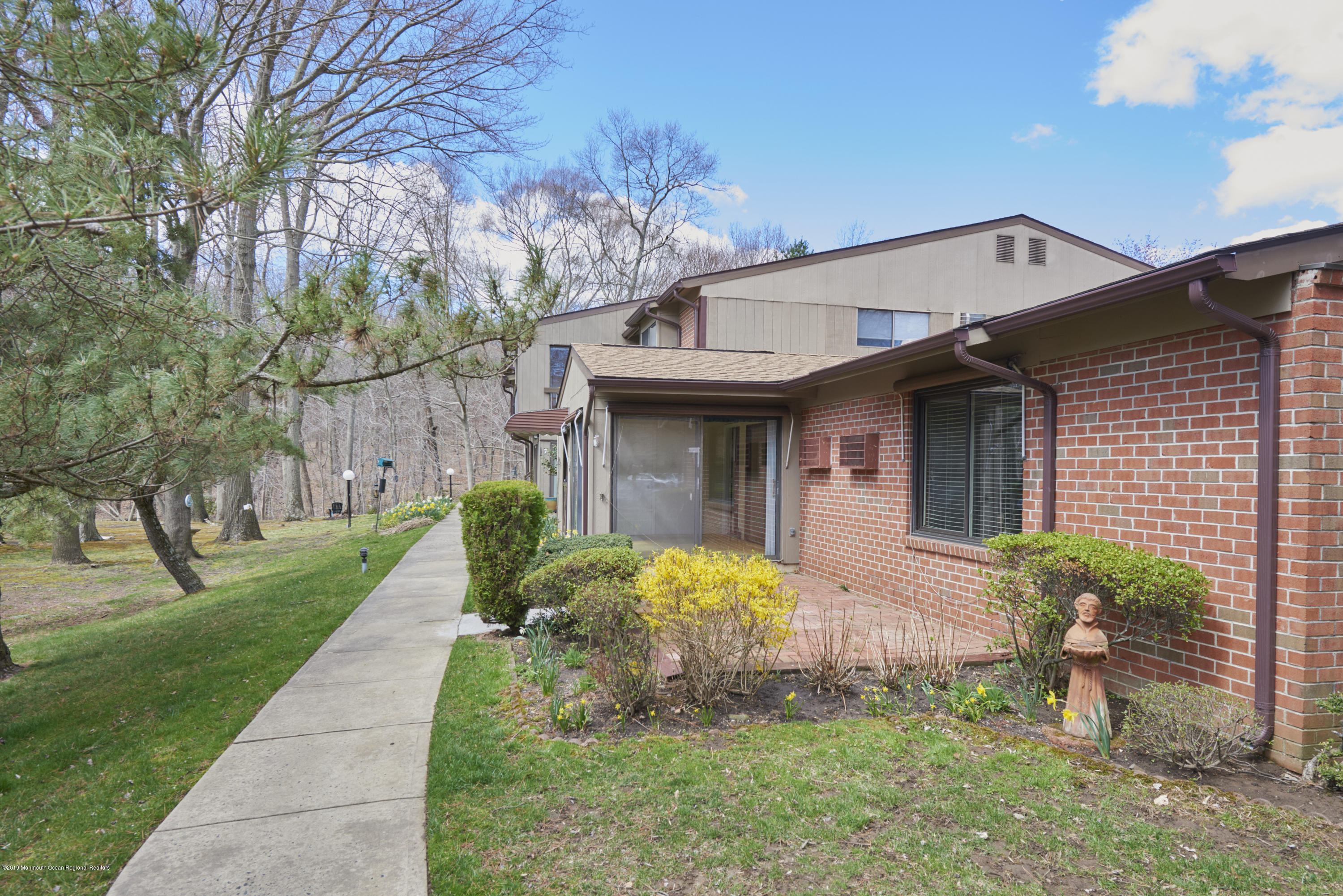 Photo of 9 Western Reach, Red Bank, NJ 07701
