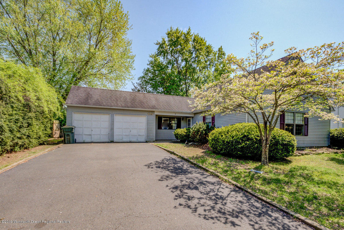 Photo of 9 Blueberry Path, Howell, NJ 07731