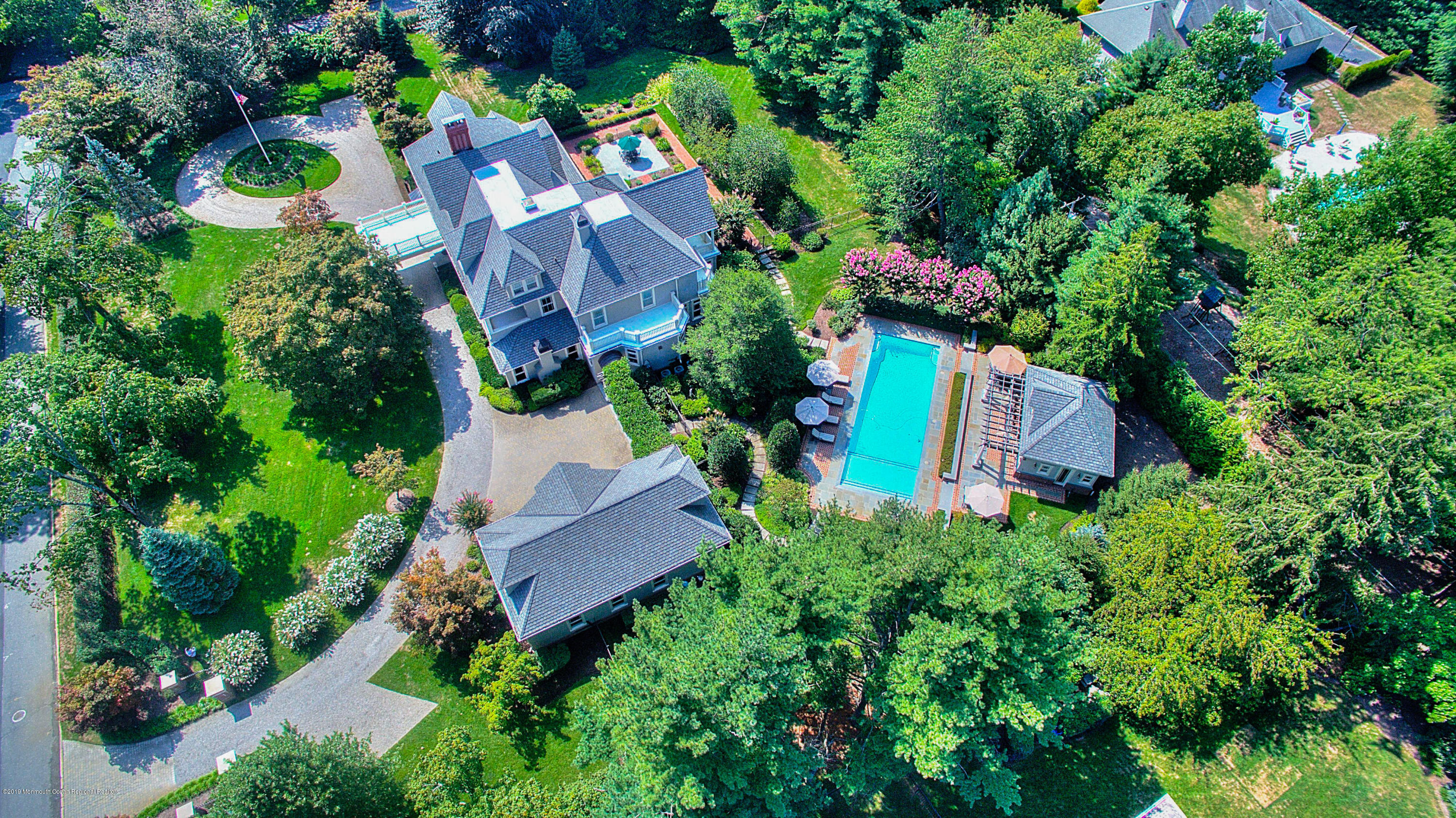 Photo of 5A Buttonwood Lane, Rumson, NJ 07760