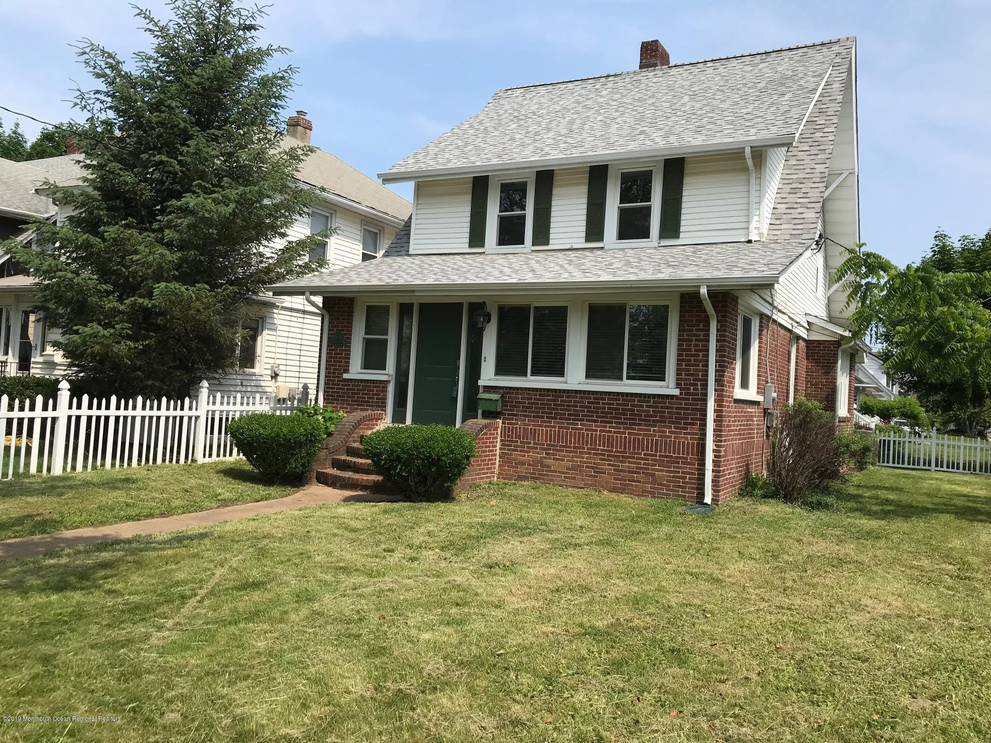 Photo of 208 E Bergen Place, Red Bank, NJ 07701