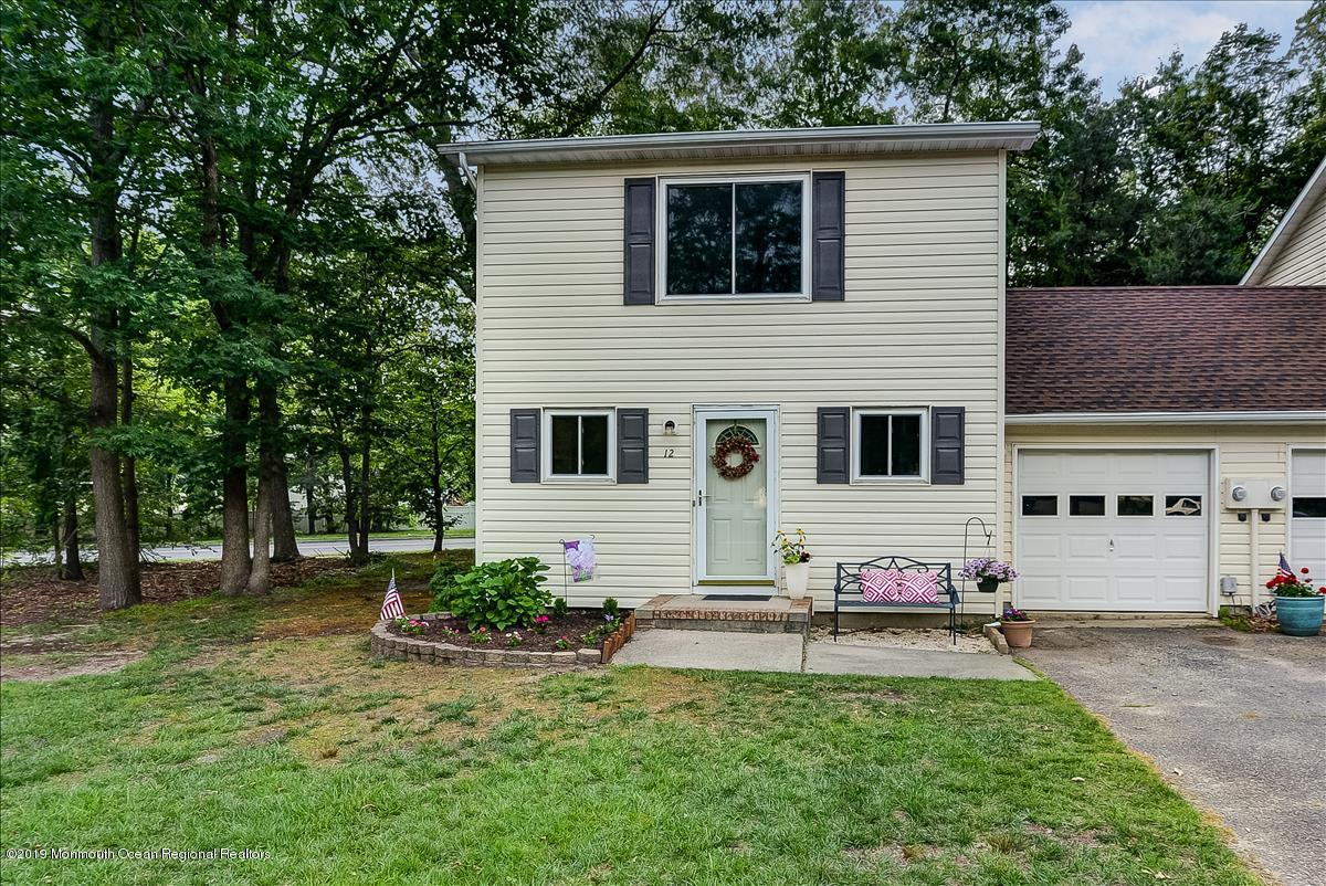 Photo of 12 Patricia Court, Howell, NJ 07731