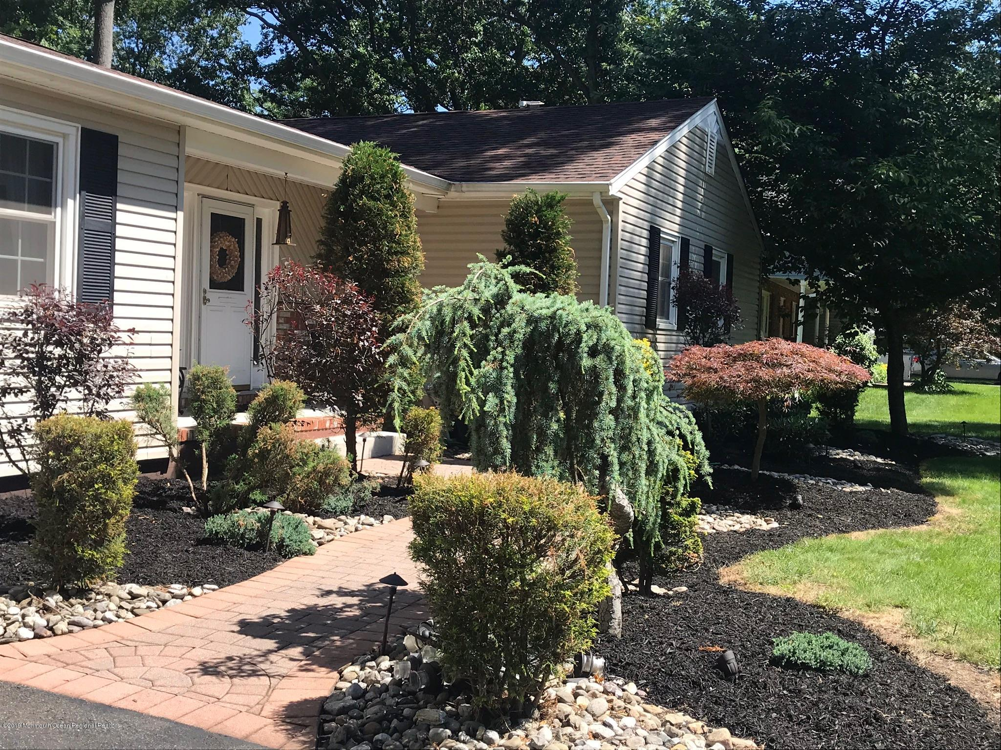 Colin Front Landscaping & Walkway