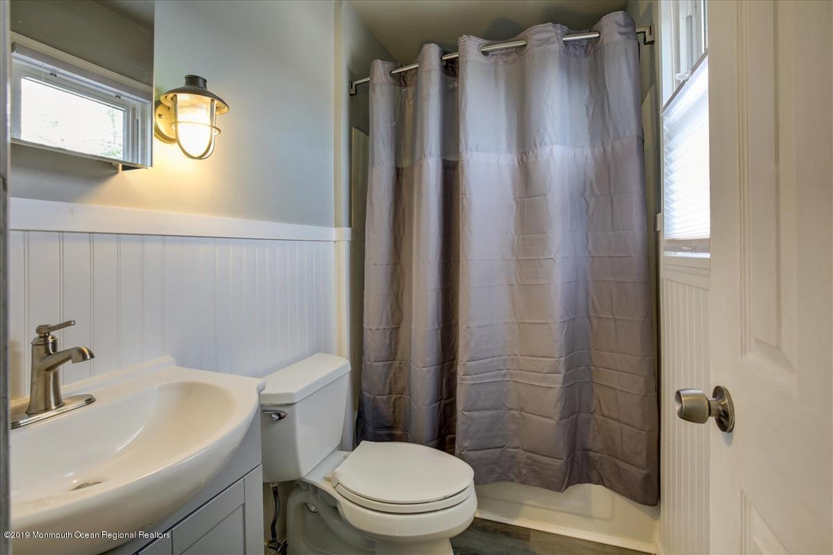 23-Bathroom