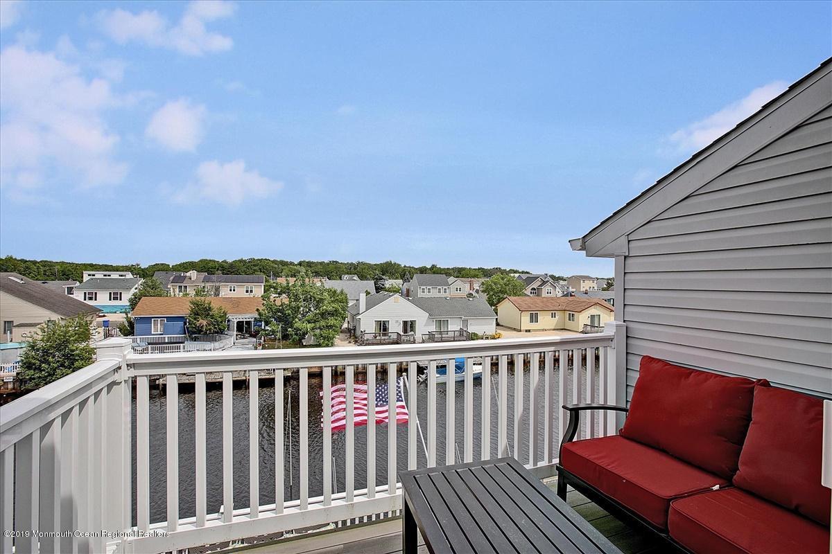 26-Deck View