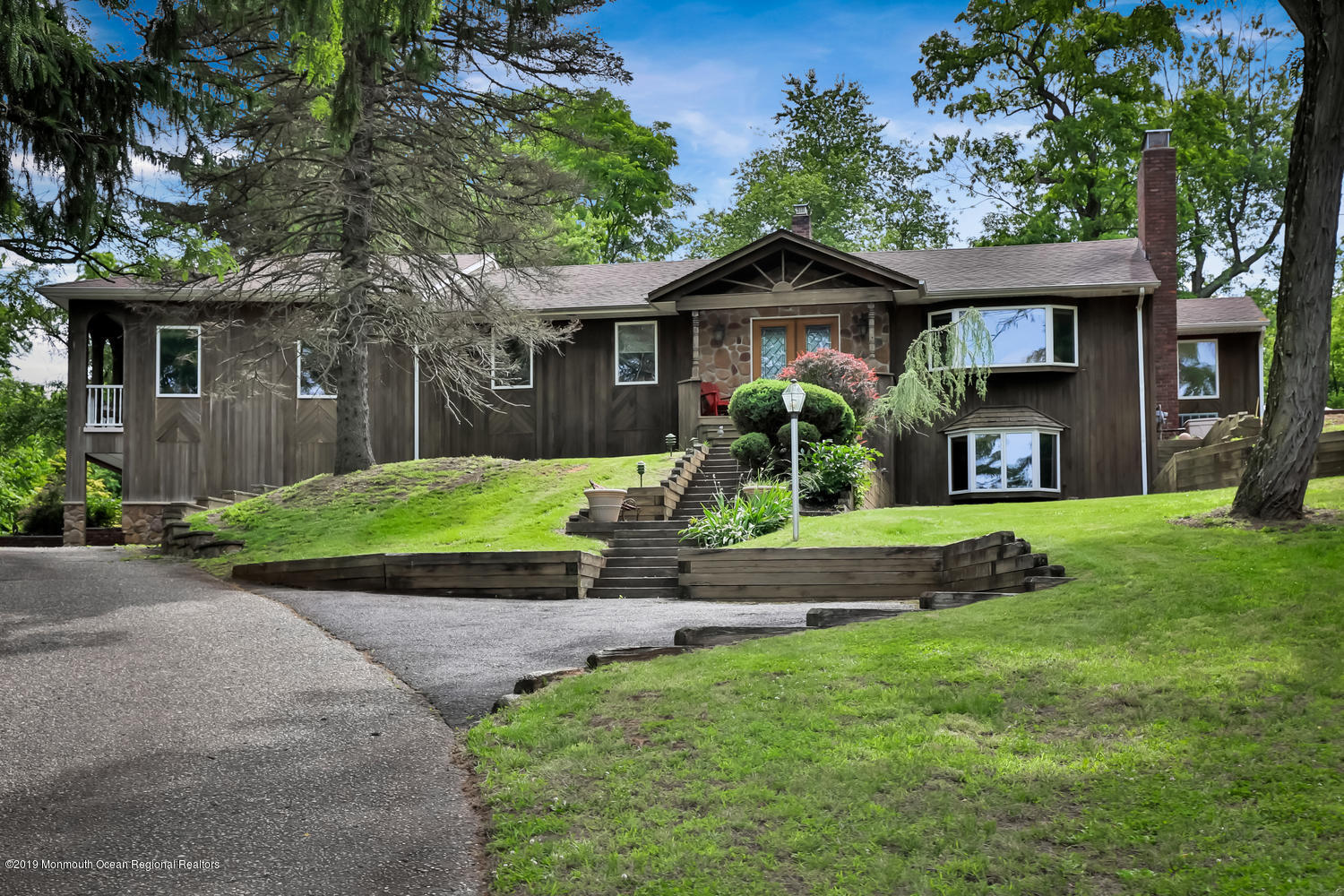 256 Heyers Mill Rd Colts Neck-large-005-