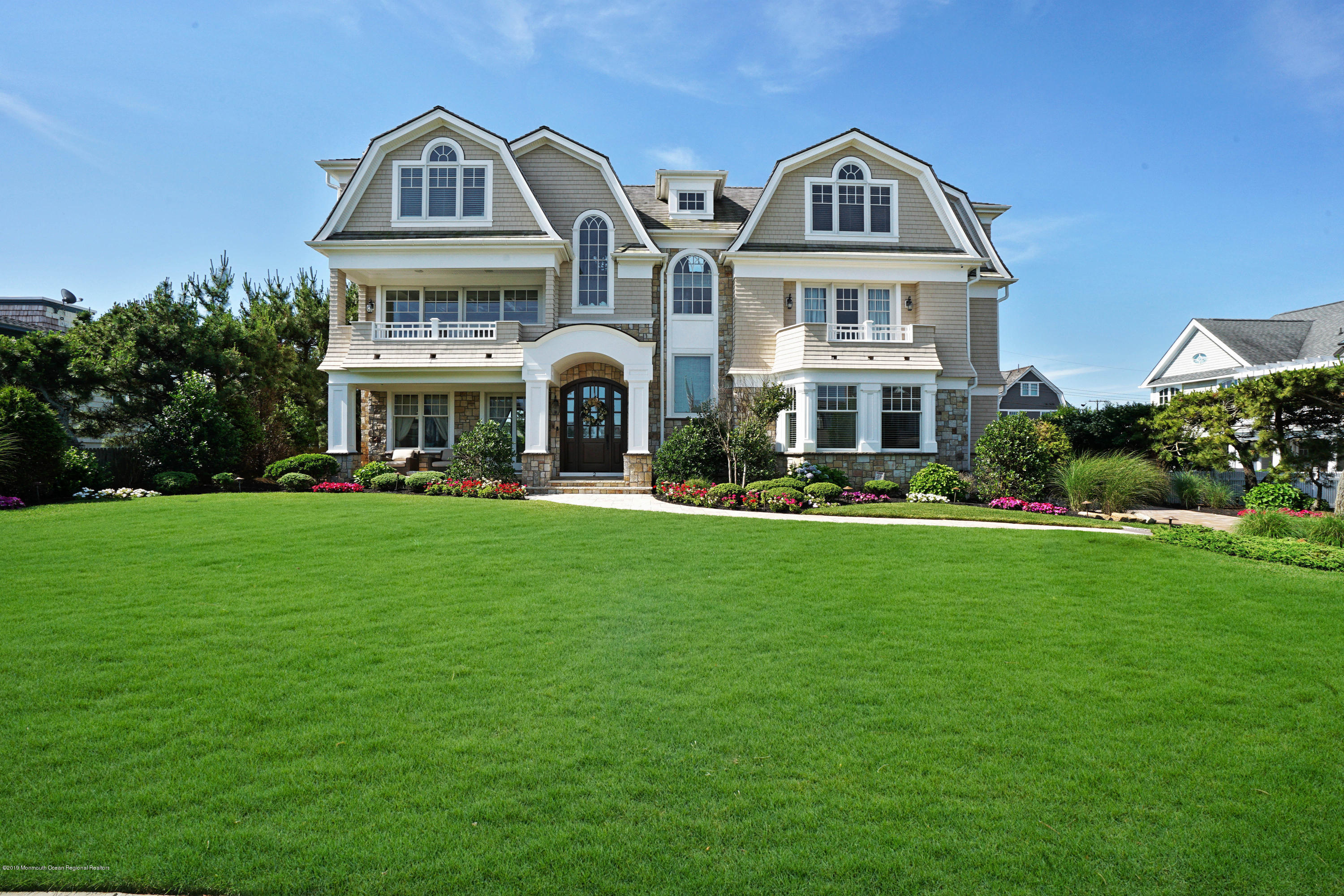 Photo of 2 Neptune Place, Sea Girt, NJ 08750