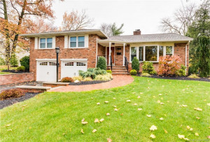 Photo of home for sale in Scotch Plains NJ